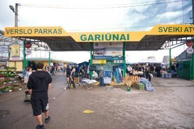 Gariūnų prekybininkė nubausta už neteisėtą prekės ženklų naudojimą
