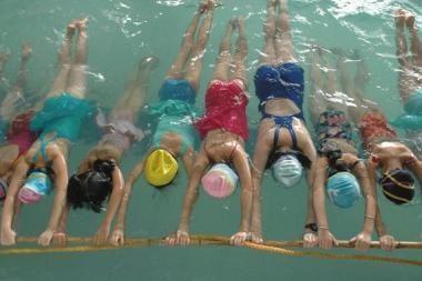 Plaukimo pamokos mokyklose bus privalomos
