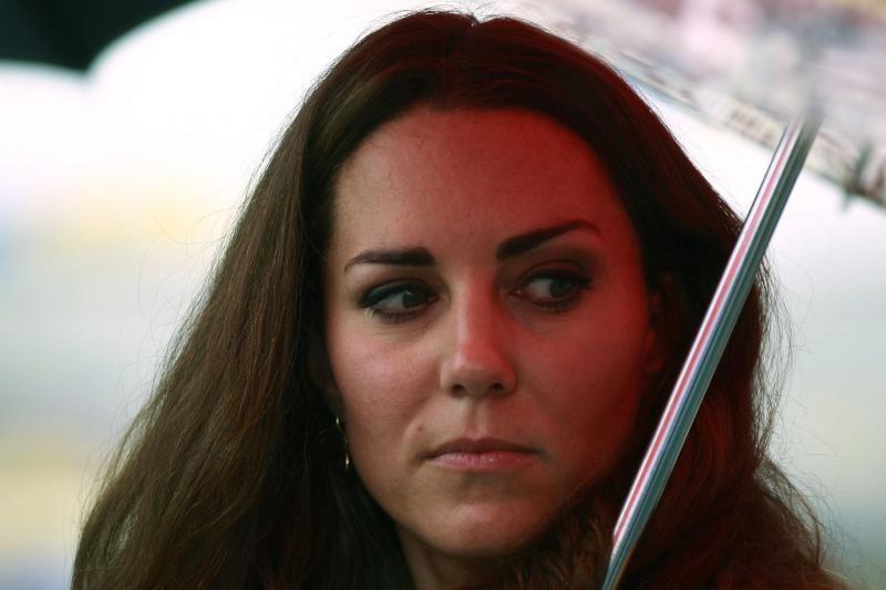 Teismas sustabdė pusnuogės kunigaikštienės Kate nuotraukų plitimą