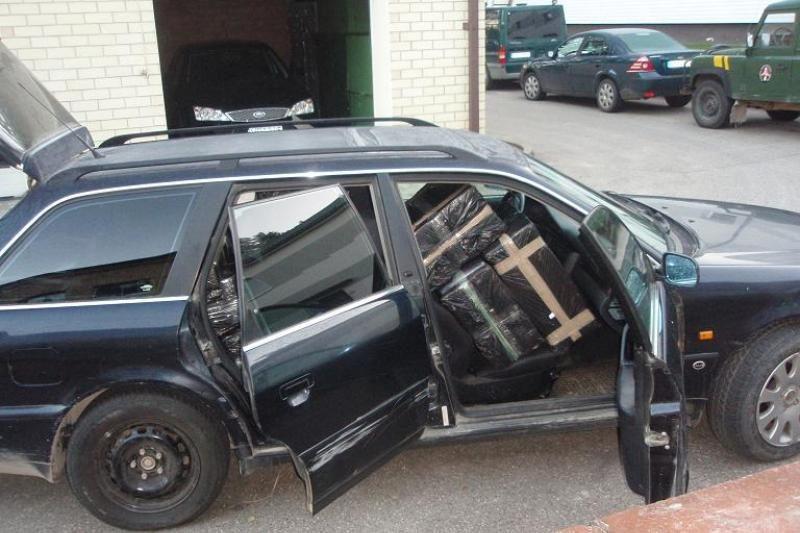 Kontrabandą vežusį vairuotoją stabdė šūviais