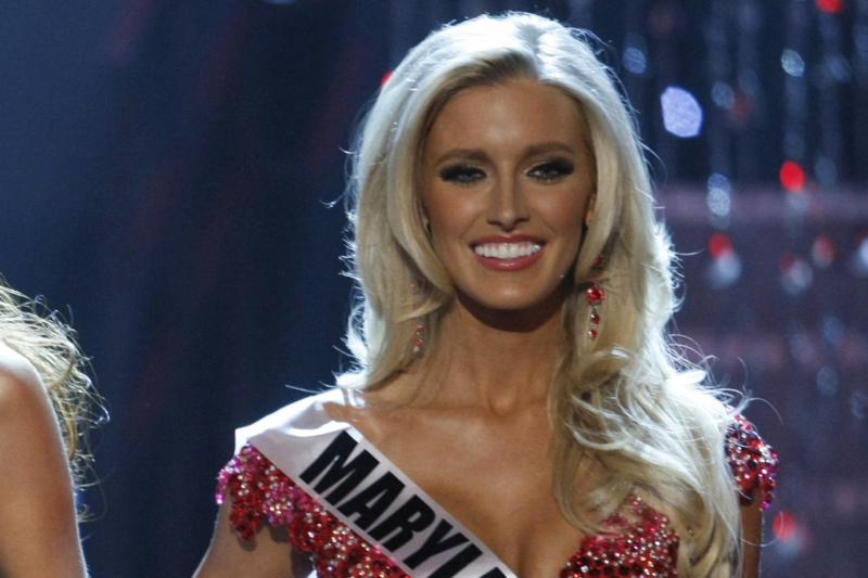 """Konkurso """"Mis Amerika"""" dalyvė nori pašalinti abi krūtis"""