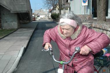 Valdžia vėl kiša rankas į būsimų pensininkų kišenes