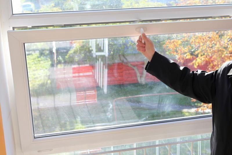 Tyrimas: laiptinės langus pasikeitę vilniečiai sutaupė 820 tūkst. litų