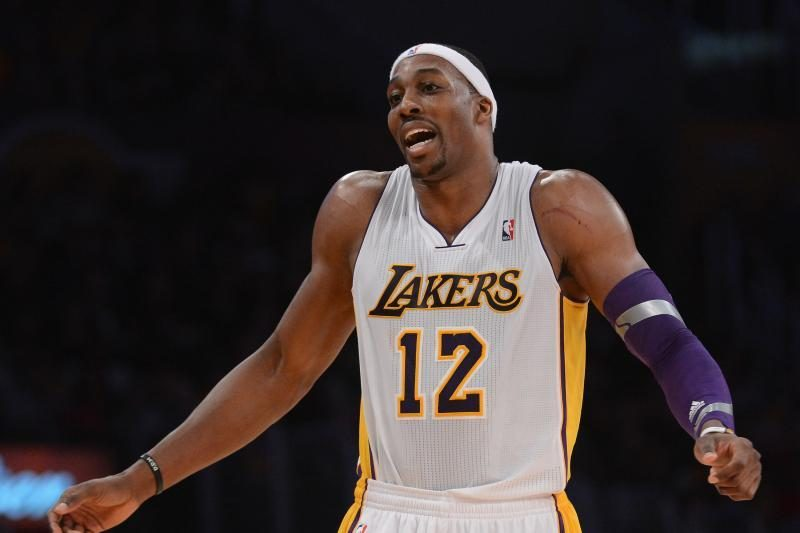 """NBA: D.Howardo rekordas """"Lakers"""" nuo nesėkmės neišgelbėjo (rezultatai)"""