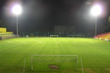 A lygos stadionuose prožektoriai švies dar šiemet