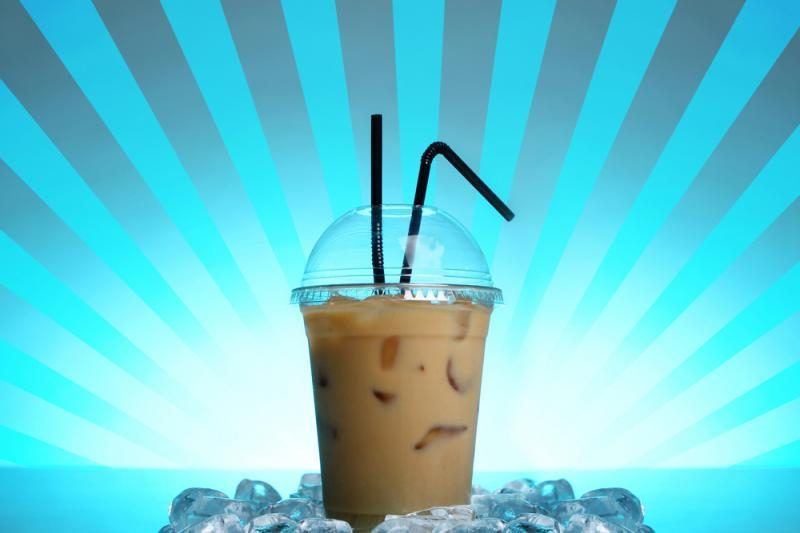 Didžiausio restoranų tinklo meniu – šaltoji kava ir kiti gėrimai išsinešimui