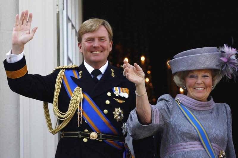 Nyderlandų karalienė Beatrix užleido sostą sūnui