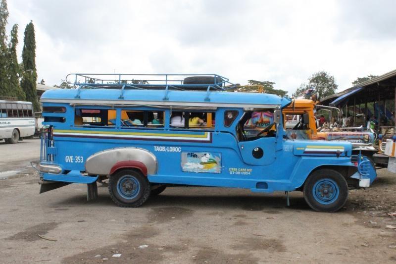 Filipinų keliais: nacionaliniai krovinių ir keleivių gabenimo ypatumai