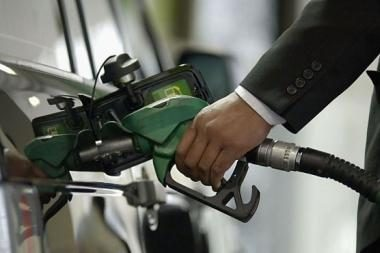 Brangsta degalai - kalta nafta ir doleris