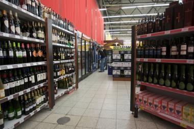 Politikai nesiryžo leisti prekiauti alkoholiu prie bažnyčių