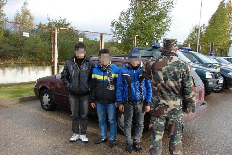 Du armėnai iš Lietuvos gabeno šešis vietnamiečius