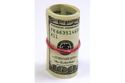 Bankai uždirbo beveik 650 mln. litų