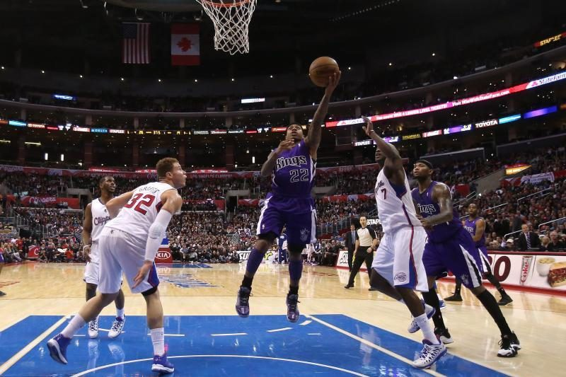 """NBA autsaiderių dvikovoje - dramatiška """"Kings"""" pergalė (top10)"""