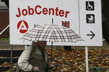 Nedarbo lygis euro zonoje spalį buvo aukščiausias per 12 metų