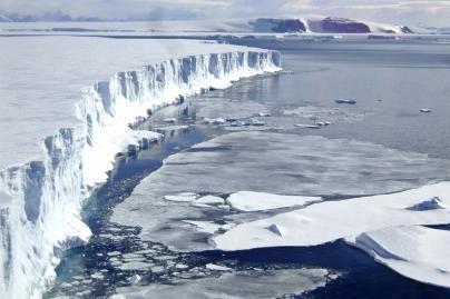 Arktyje - apie 90 mlrd. barelių naftos