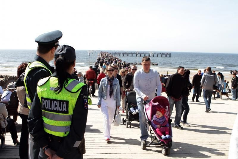 Naujas Palangos tiltas į jūrą: dabar nuo tilto šokinėti negalima