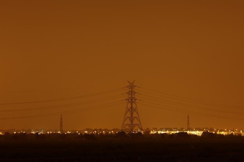Indijoje po didžiulio tinklų gedimo atnaujintas energijos tiekimas