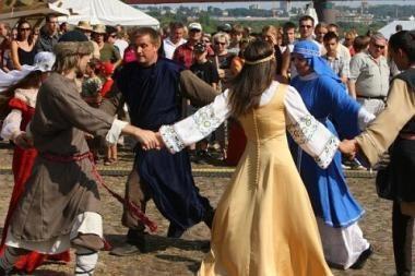 Hansa – pašėlęs jaunimas žaidžia viduramžius