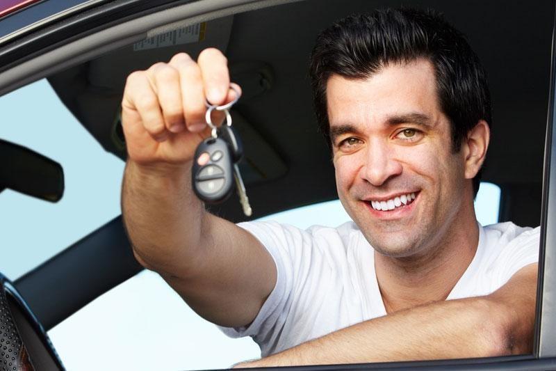 Mokesčių inspektoriai narsto prekybos automobiliais gudrybes