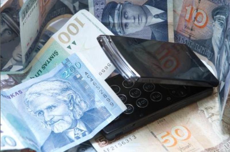 Klaipėdietė sukčiams atidavė 15 tūkst. litų