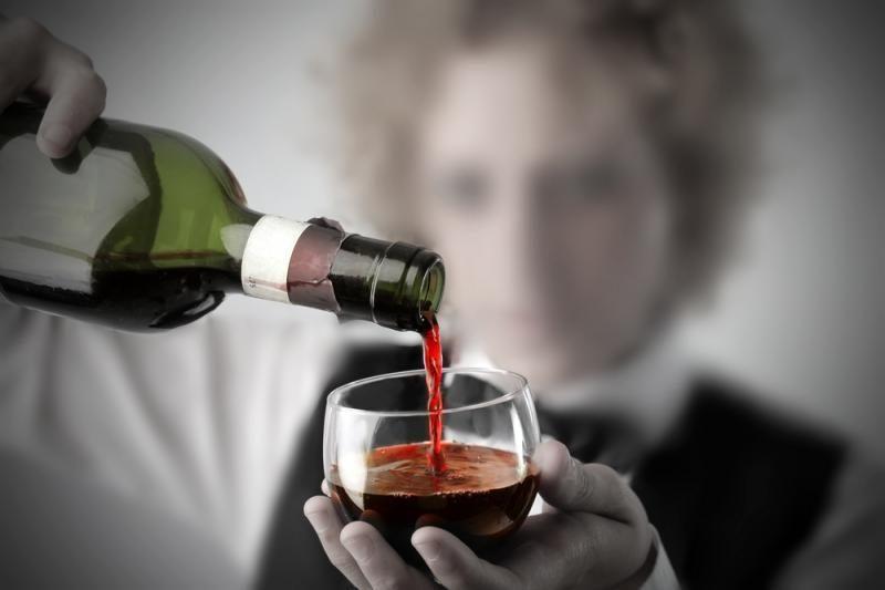 Moksleivių e.dienyne – pažymiai ir alkoholio reklama