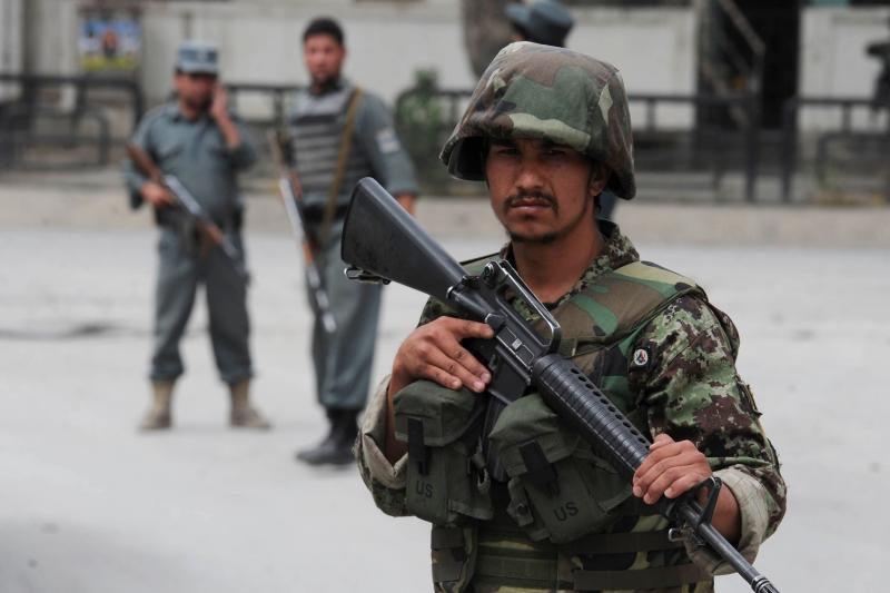 Afganistane per mirtininko išpuolį žuvo 10 policininkų