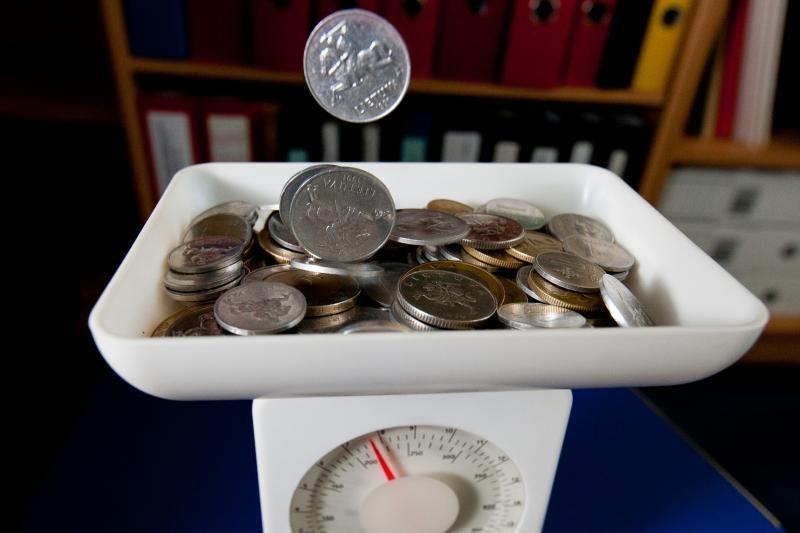 Darbo užmokesčio ir infliacijos grumtynės - kuris kurį?