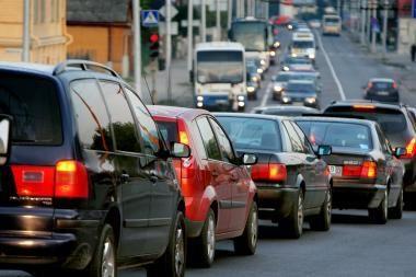 Per pusmetį įvežta 88 tūkstančiai transporto priemonių