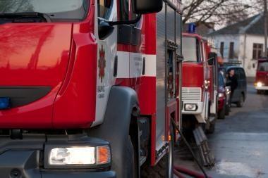Dėl gaisro Žirmūnuose evakuoti 16 gyventojų