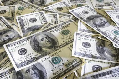 Miestelio valdininkai uždirbo daugiau nei prezidentas