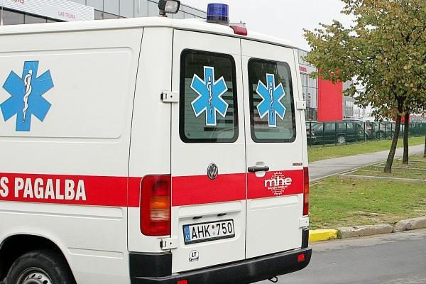 Ligoninėje mirė kaklą persidūręs vyras