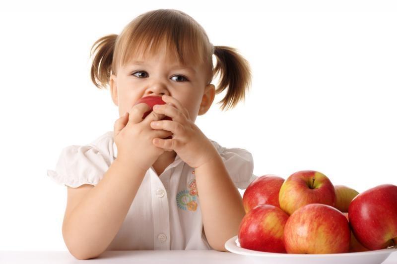 Į vaikų maitinimą mokyklose ir darželiuose žiūri pro pirštus?