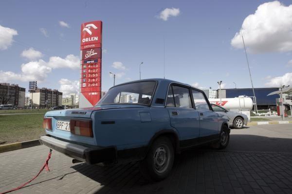 Benzinas ir dyzelinas Lietuvoje per savaitę pabrango