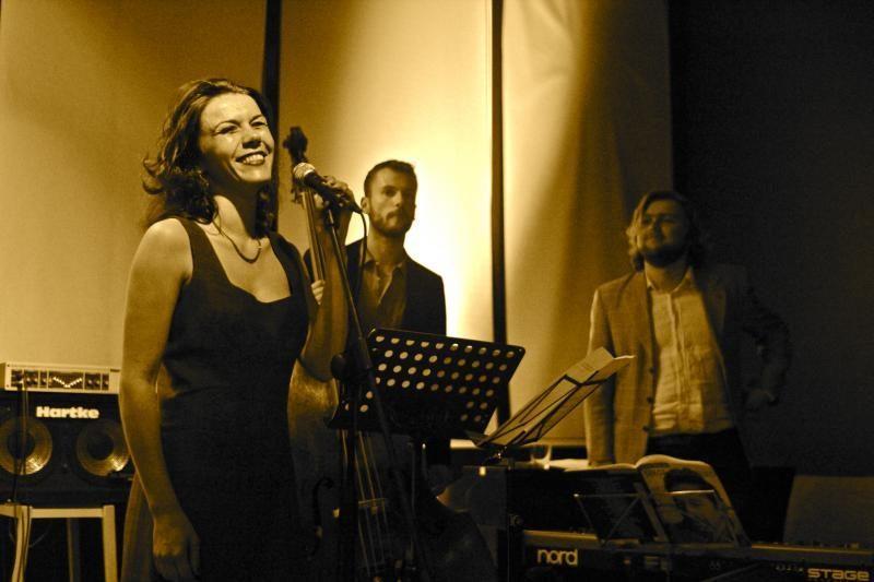 Vilnių užburs neeilinis intymus prancūzaitės E. Michel koncertas