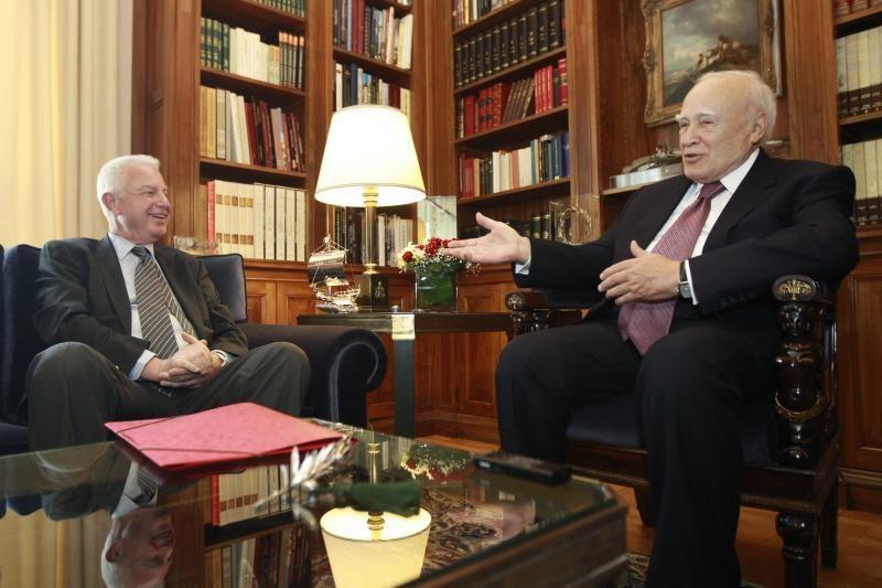 Graikija prieš naujus rinkimus suformavo technokratų vyriausybę