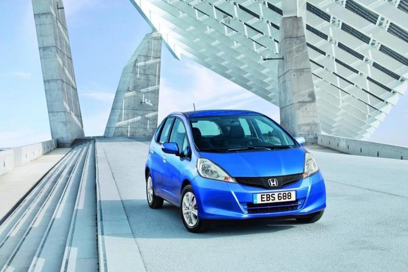Automobilių ekspertai prognozuoja naują populiarių spalvų erą
