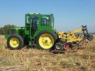 Šarvuotas traktorius gins žemdirbius nuo teroristų