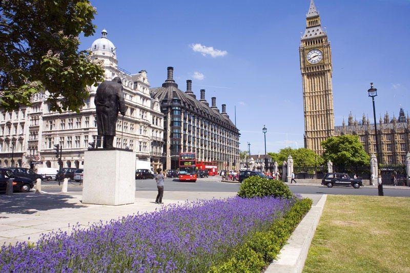 Siūloma Big Beną pervadinti karalienės vardu