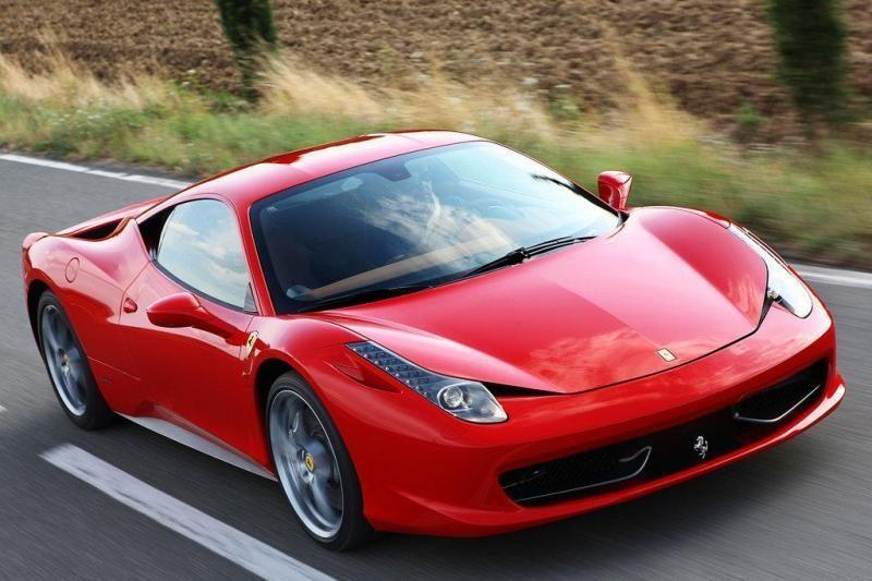 """Kinams uždrausta internete ieškoti informacijos apie """"Ferrari"""""""