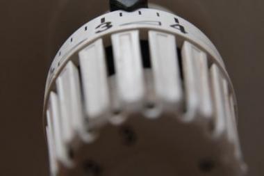 Apklausa: vilniečiai rinktųsi galimybę reguliuoti šildymą