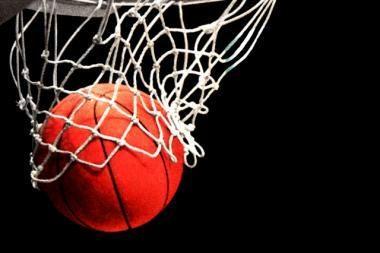 Šešiolikmetės krepšininkės nesėkme pradėjo Europos čempionatą