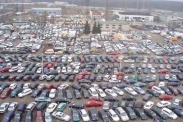 Kauno automobilių turguje kazachus pakeitė kirgizai