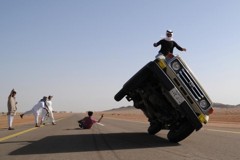 Arabiški ratų keitimo ypatumai: velniop domkratą – kelyje patogiau