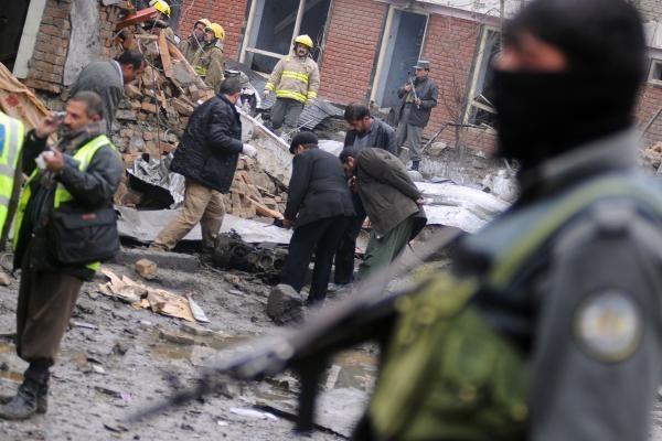 Afganistano pietuose sprogus pakelės bombai žuvo 15 civilių gyventojų