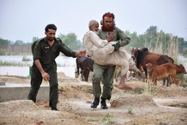 Pakistane per dviejų mirtininkų sprogdintojų išpuolį žuvo 40 kovos su Talibanu aktyvistų (papildyta)