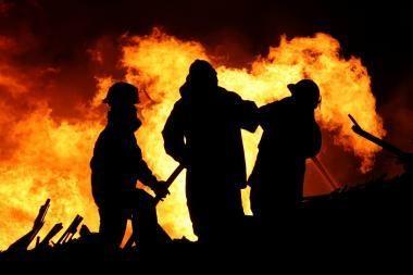 Naktį gaisras pasiglemžė vyro gyvybę