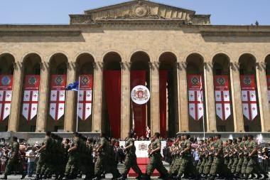 Tbilisyje opozicija užtvėrė Rustavelio prospektą