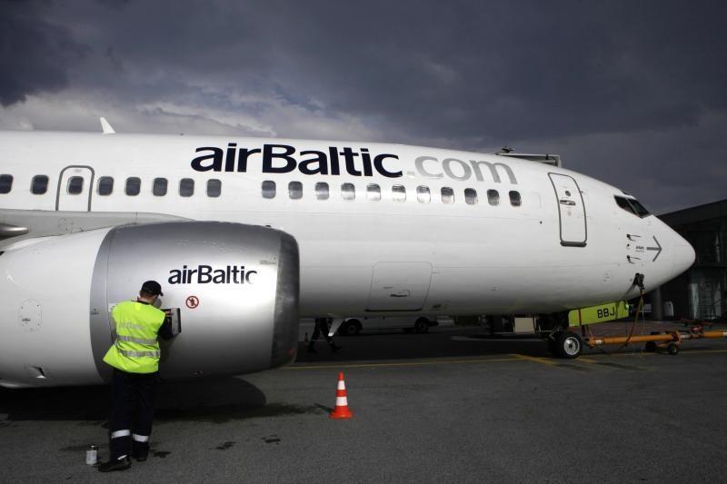"""""""airBaltic"""" pirmoji Europoje iniciavo žaliuosius skrydžius"""