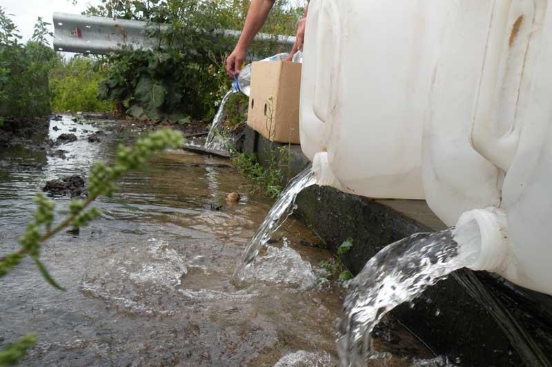 Šilutės rajono gyventojas gabeno apie 100 litrų naminės degtinės