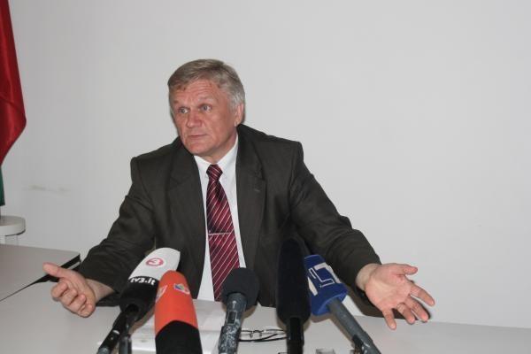 Kolegos patikėjo B.Varsacko pasiaiškinimais dėl sumaištį sukėlusios nutarties